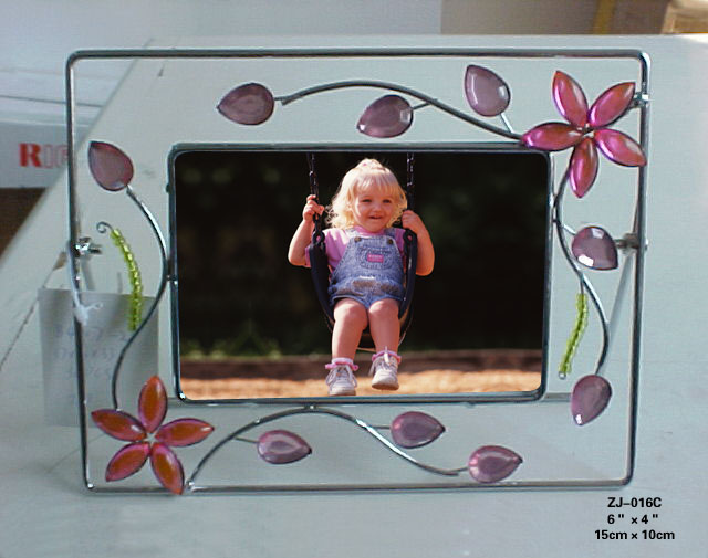 Metal wire photo frame